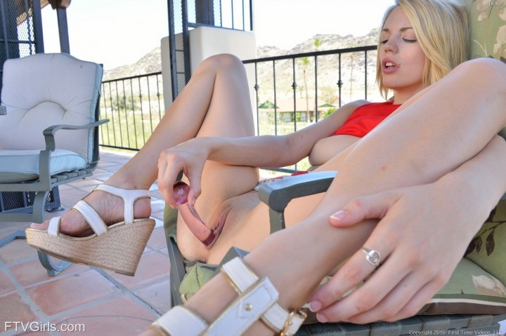 Hot Blonde Babe Blake Between The Legs