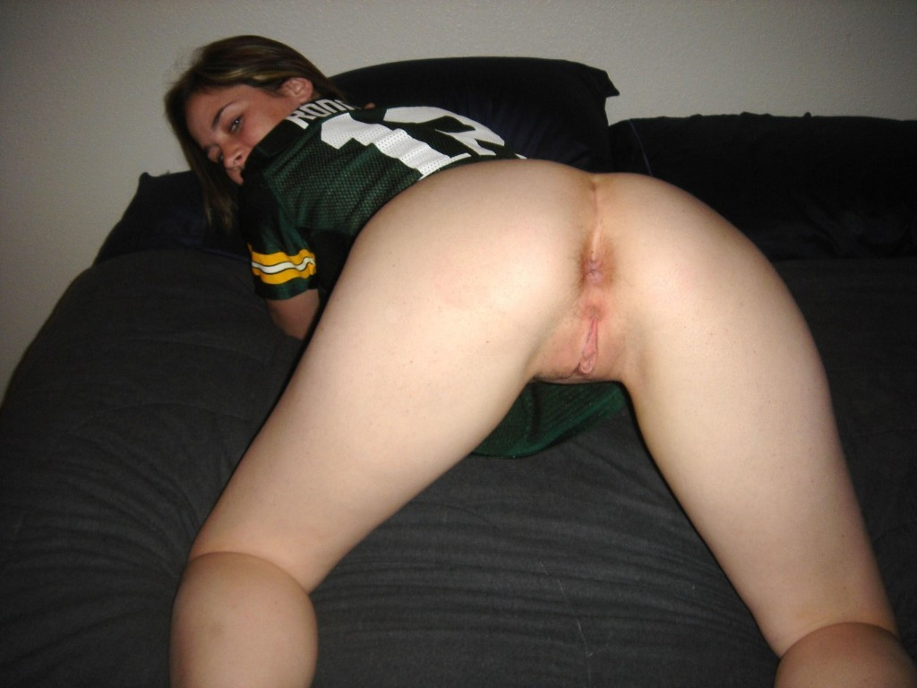 Nude Amateur Cheerleader