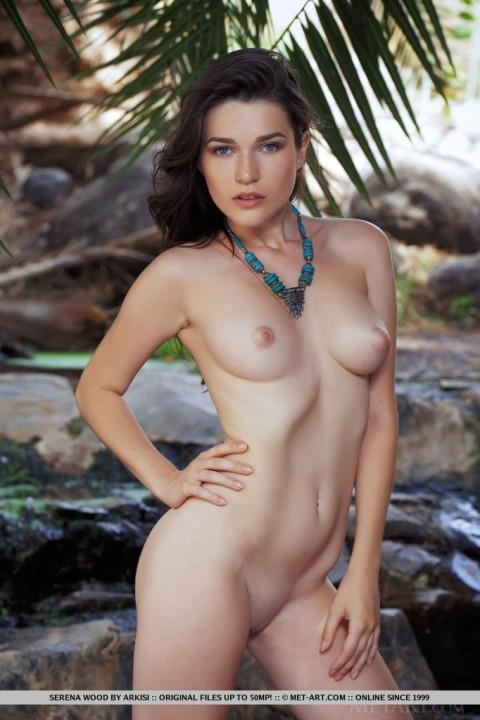 Hot Brunette Serena Wood in Kaldesa