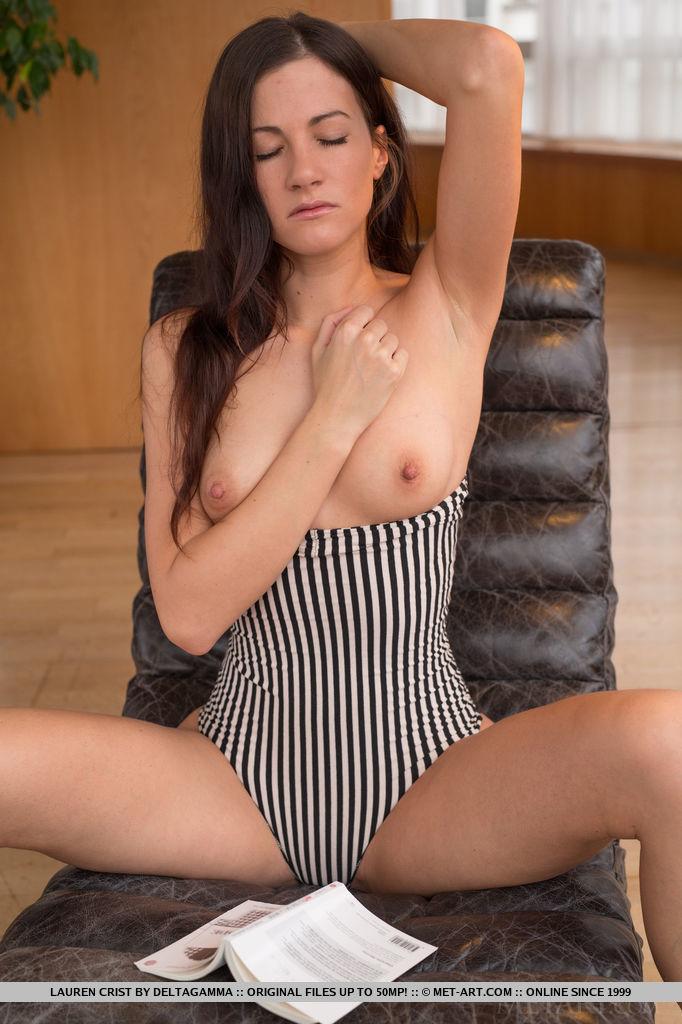 Hot Brunette Lauren Crist in Lygenca